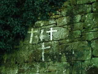 cruces blancas brujas
